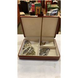 Case of necklaces and bracelets