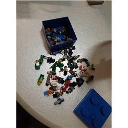 APPROX 50 LEGO MEN