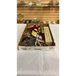 TRYA OF JINGLE BELLS, NAPKIN RINGS AND OTHER COLLECTIBLES