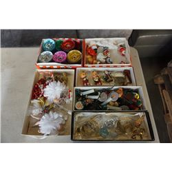 6 BOXES OF VINTAGE CHRISTMAS DECOR AND ORNAMENTS