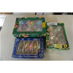 3 BOXES OF VINTAGE CHRISTMAS ORNAMENTS