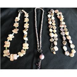 Collectible - Jewelry - 3 pc Pearl Necklaces