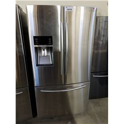 SAMSUNG STAINLESS STEEL FRENCH DOOR FRIDGE WITH ICE AND WATER MODEL #RF28HDEDBRSR/AA