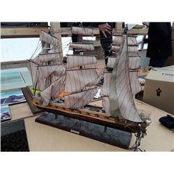 "113 - Vintage Sailpboat ""The President Frigate"""