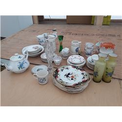 138 - Large lot of Glass ware