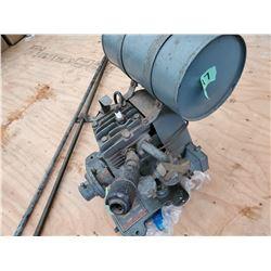 147 - Briggs & Statton Marine Engine with Prop