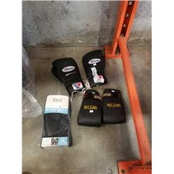 NEW EVERLAST BOXING GLOVES, SPORT ONE MARSHALLS ARTS GLOVES, AND WINNING BRAND 12 OZ BOXING GLOVES