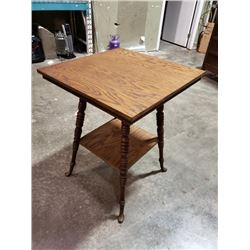 ANTIQUE OAK PARLOUR TABLE WITH ORIGINAL FEET
