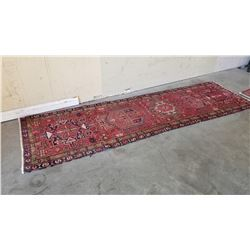 126 X 37 INCH HAND MADE HAND DYED MED IN INDIA CARPET