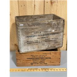 LOT OF 2 AMMO / EXPLOSIVE CRATES - CIL