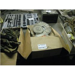 4 BOXES POLISHING / SEALS AND PARTS