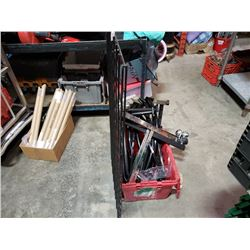 Tote of gridwall hangers and gridwall