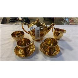 ROYAL WINTON GRIMWADES TEAPOT, CREAM AND SUGAR AND 2 CUPS AND SAUCERS