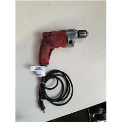 MILWAUKEE MAGNUM 3/8 INCH DRILL - TESTED AND WORKING