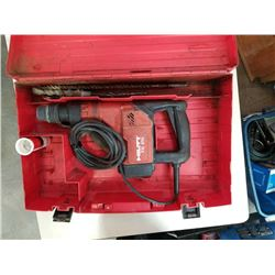 HILTI TE25 HAMMER DRILL - TESTED AND WORKING WITH CASE