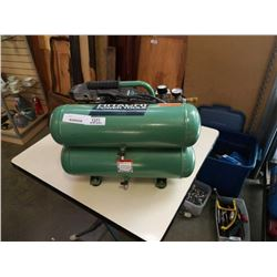 HITACHI EC12 PORTABLE 2HP AIR COMPRESSOR - TESTED AND WORKING