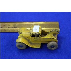 Cast Iron Toy Tow Truck (Yellow) with solidified rubber wheels