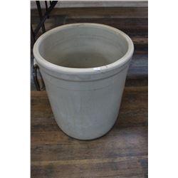 20 Gallon Medalta Potteries Crock (no cracks)