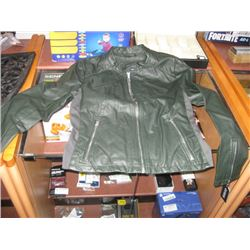GUESS SZ LARGE GREEN PLEATHER JACKET