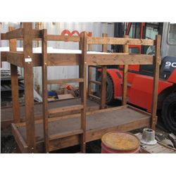 DIY WOODEN BUNK BEDS