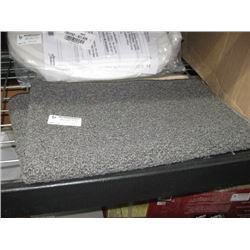 GREY CARPETED RUG BATH MAT