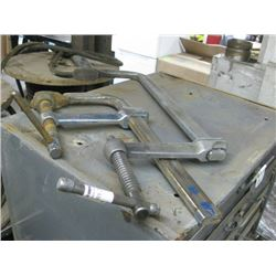 PAIR OF 16 INCH CLAMPS
