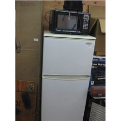 USED DANBY APARTMENT FRIDGE 2FT X 5FT MICROWAVE TOASTER