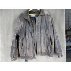Man's Brown Leather Coat - Large to X-Large ??? - Very Used
