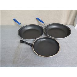 "Qty 3 Vollrath Wear-Ever Frying Pans 12"" & 14"" Diameter"