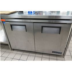 True 2-Door Model TWT-48 Refrigerator (needs repair, does not get cold)