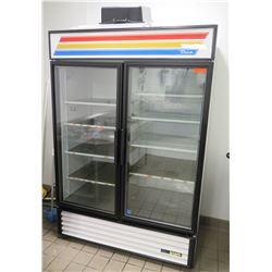 True 2-Door GDM-49-HC-LD Merchandiser Refrigerator (needs repair, does not get cold)