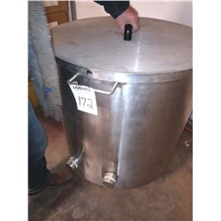 APPROX 30 GALLON WATER STEAMED JACKETED S.S. VAT W COVER