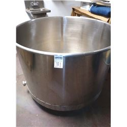 APPROX 150 GAL. STAINLESS STEEL SINGLE WELL VAT, NEAR NEW