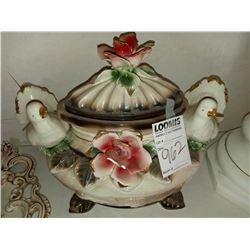 DAMAGED OVAL COVERED DOVE CENTER PIECE CAPODIMONTE RETAIL $399.00