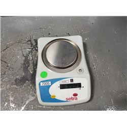 SETRA WEIGHT SCALE *SEE PICS FOR DETAILS*