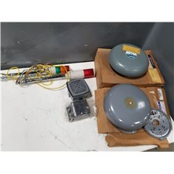 LOT OF MISC COMMUNICATION DEVICES (SIRENS, LIGHTS, BELLS, ECT.) *SEE PICS FOR DETAILS*