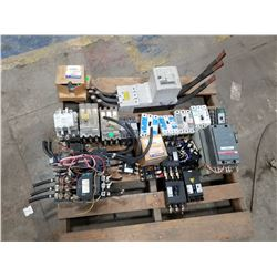 LOT OF MISC ELECTRICAL PARTS *SEE PICS FOR DETAILS*