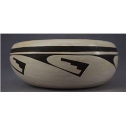 HOPI INDIAN POTTERY BOWL (JOY NAVASIE)