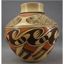 HOPI INDIAN POTTERY VASE (ADELLE NAMPEYO)