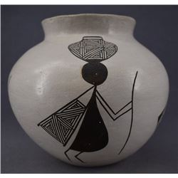 ACOMA INDIAN POTTERY JAR (ROSE CHINO)
