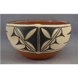 COCHITI INDIAN POTTERY CHILI BOWL (ELIZABETH TRUJILLO)