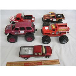 Lot of 5 die cast trucks 4 monster and 1 Ford F350