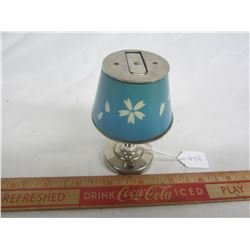 Rare Cigarette lighter shaped like a lamp made by Aladdin working condition
