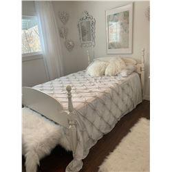 Double Bed w Headboard, Boxpring & Mattress