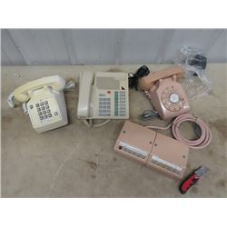 3 Phones, 1 is Dial Phone w Variable LIne Machine