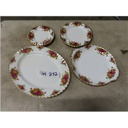 "Royal Albert - Old Country Roses 3- 6"" Dessert Plates, 2- 8"" Plates, 10"" Serving Dish & 13"" Oval Ser"