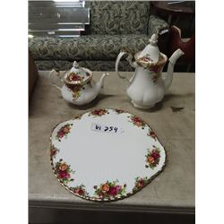 "Royal Albert - Old Country Roses Coffee Pot , Tea Pot & 12"" Serving Tray - All Exec Condition"