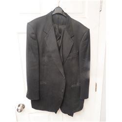 """Men's 3 Pc Suit- Jacket Vest & Pants Pants are 42"""" Waist, Jacket is 44"""" Short"""