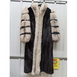 Hurtig's Quality Ladies Fur Coat