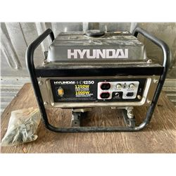 HYUNDAI HD 1250 W GENERATOR - VERY LITTLE USE